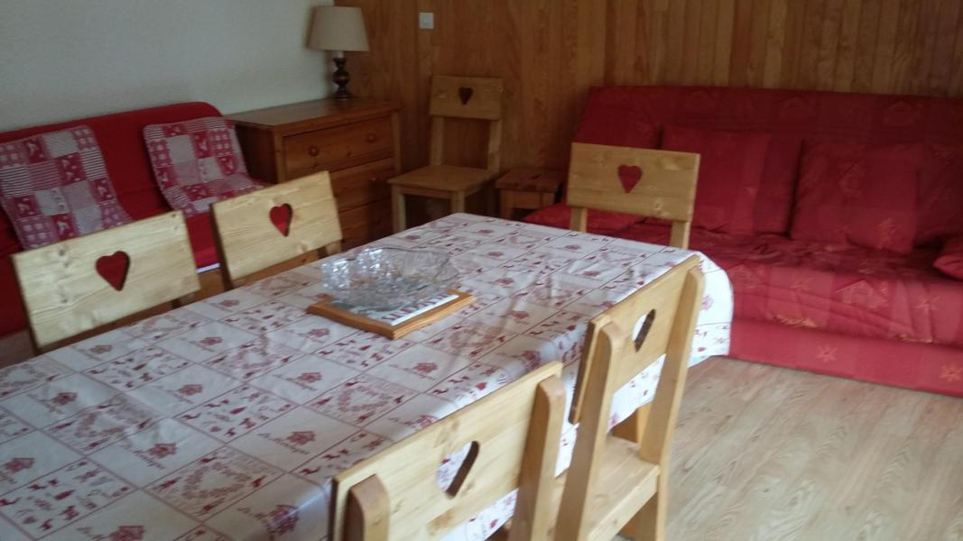 Holiday in mountain resort 2 room apartment 6 people (2K) - Résidence le Rocher Saint Pierre - Valloire - Table