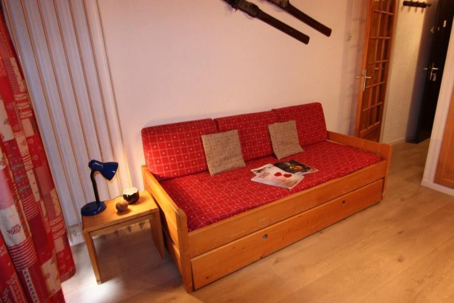 Vacances en montagne Studio 2 personnes (B9) - Résidence le Sérac - Val Thorens - Table