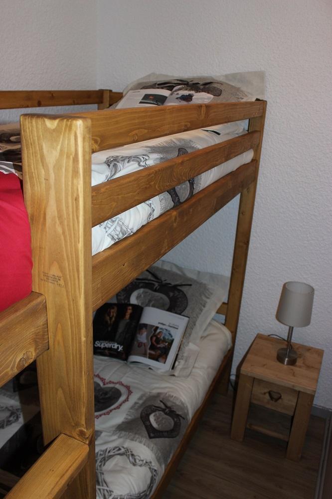 Vacances en montagne Studio cabine 4 personnes (V6) - Résidence le Sérac - Val Thorens - Chambre mansardée