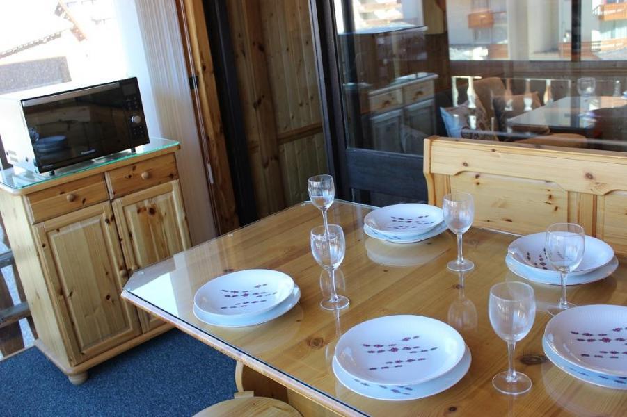 Vacances en montagne Studio cabine 5 personnes (G2) - Résidence le Sérac - Val Thorens - Canapé