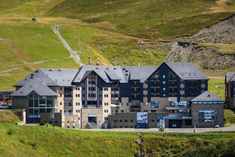 Soggiorno sugli sci Résidence le Sérias - Peyragudes - Esteriore estate