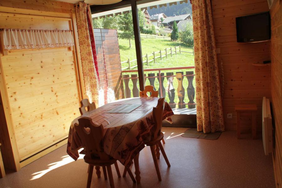 Vacances en montagne Studio 4 personnes - Résidence le Sylvia - Châtel - Table