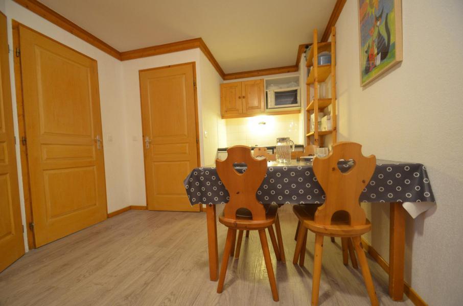 Vacances en montagne Appartement 2 pièces 4 personnes (506) - Résidence le Valmont - Les Menuires - Table