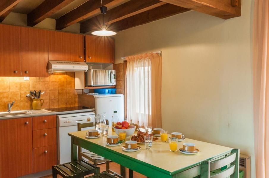 Vakantie in de bergen Résidence le Village la Souleille des Lannes - Guzet - Tafel
