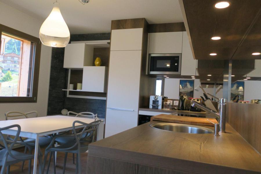 Wakacje w górach Apartament 3 pokojowy z alkową 6 osób (B205) - Résidence les 4 Eléments - Châtel - Stołem