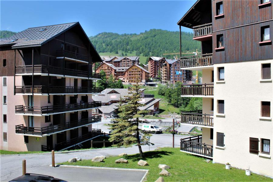 Аренда на лыжном курорте Апартаменты 2 комнат кабин 5 чел. (13A) - Résidence les Airelles A - Risoul - летом под открытым небом