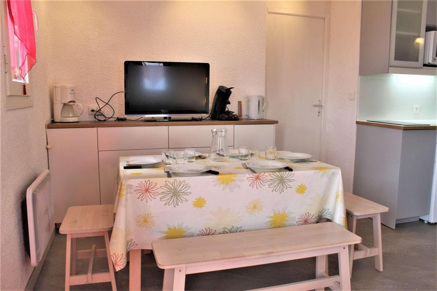 Vacaciones en montaña Apartamento cabina 2 piezas para 6 personas (67A) - Résidence les Airelles A - Risoul - Habitación abuhardillada