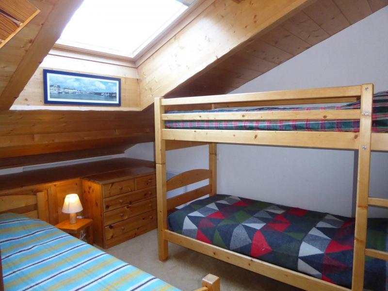 Vacaciones en montaña Apartamento dúplex 4 piezas 6 personas (18) - Résidence les Alpages de Pralognan A - Pralognan-la-Vanoise - Habitación abuhardillada