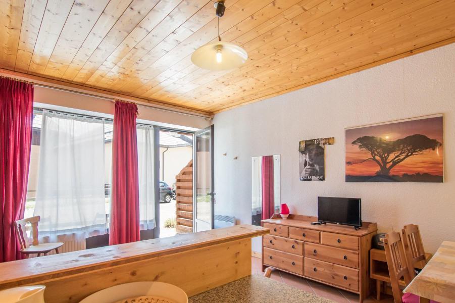 Holiday in mountain resort Studio sleeping corner 4 people (05) - Résidence les Alpets - Montgenèvre - Living area