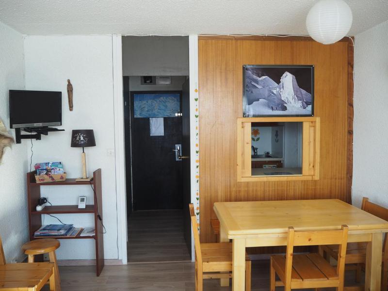 Vacances en montagne Appartement 2 pièces 6 personnes (417) - Résidence les Aravis - Les Menuires - Table