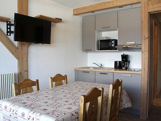 Vacances en montagne Studio 4 personnes (R07) - Résidence les Aravis - Les Menuires - Salle à manger