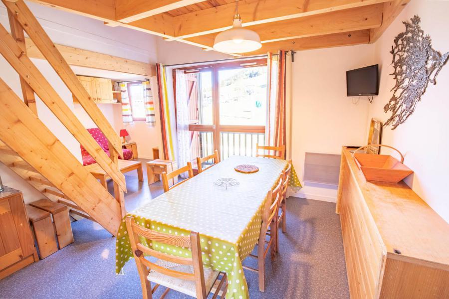 Wakacje w górach Apartament 3 pokojowy z antresolą 8 osób (AR16B) - Résidence les Arolles - La Norma