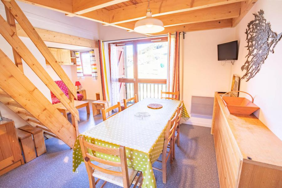 Vacaciones en montaña Apartamento 3 piezas mezzanine para 8 personas (AR16B) - Résidence les Arolles - La Norma - Mesa