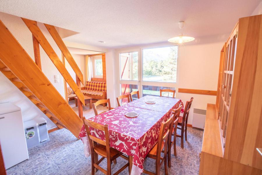 Vacaciones en montaña Apartamento 3 piezas mezzanine para 8 personas (AR17A) - Résidence les Arolles - La Norma - Comedor