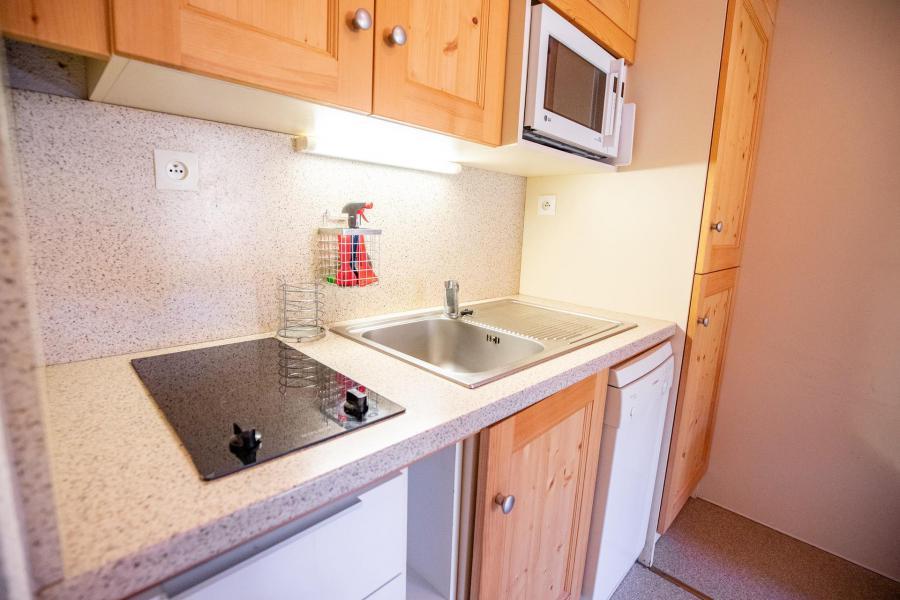 Vacaciones en montaña Apartamento 3 piezas mezzanine para 8 personas (AR24B) - Résidence les Arolles - La Norma - Escalera