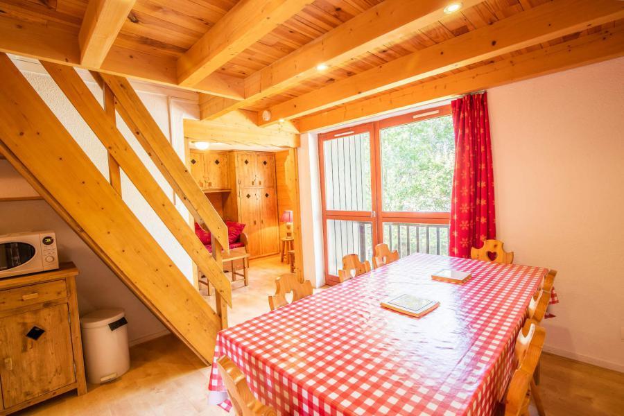 Vacaciones en montaña Apartamento 3 piezas mezzanine para 8 personas (AR31A) - Résidence les Arolles - La Norma - Mesa