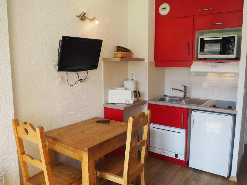 Holiday in mountain resort Studio 2 people (724) - Résidence les Asters B2 - Les Menuires - Accommodation