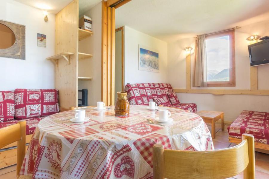 Holiday in mountain resort Divisible studio 4 people (AVB1) - Résidence les Avrières - Montchavin La Plagne - Table