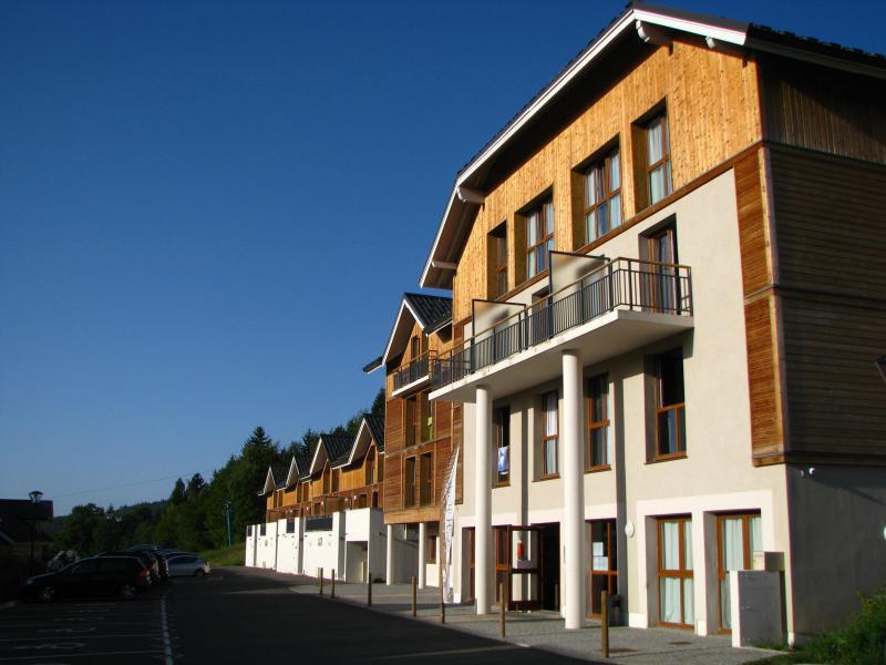 Location au ski Résidence les Balcons d'Aix - La Féclaz - Extérieur été
