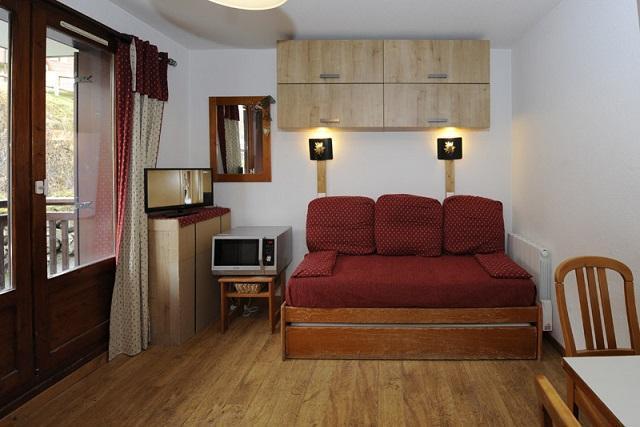 Vacances en montagne Studio cabine 4 personnes (108) - Résidence les Balcons d'Olympie - Les Menuires - Canapé