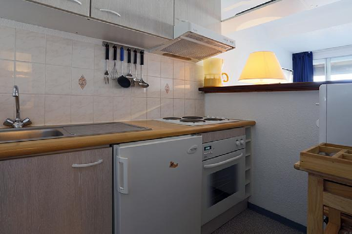 Holiday in mountain resort 2 room apartment 4 people (12) - Résidence les Balcons du Soleil 1 - Peyragudes - Kitchenette
