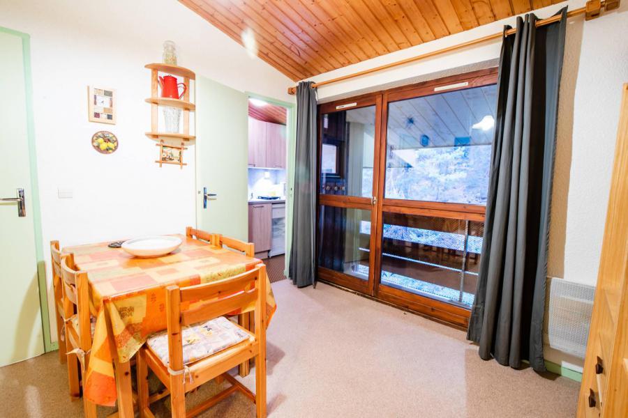 Vacaciones en montaña Apartamento cabina 2 piezas para 6 personas (CA60FC) - Résidence les Campanules - La Norma