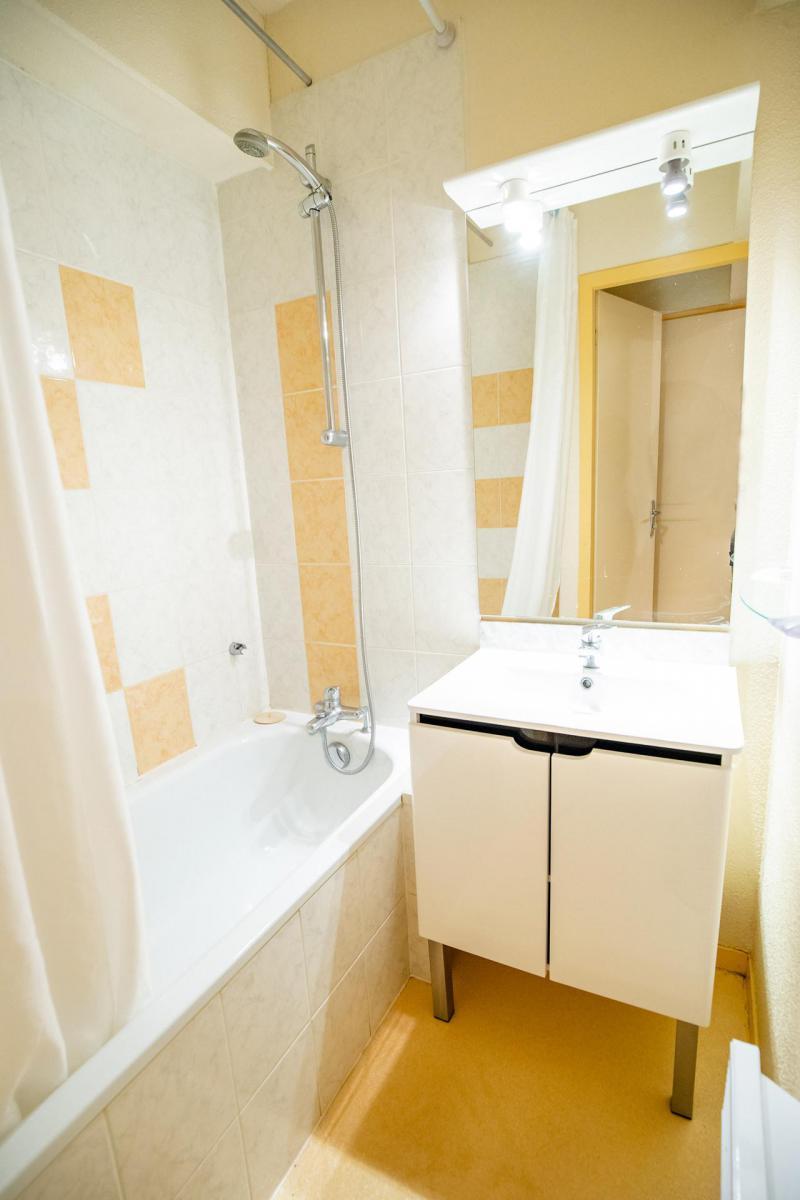 Vacaciones en montaña Apartamento cabina 2 piezas para 6 personas (CA52FC) - Résidence les Campanules - La Norma - Mesa