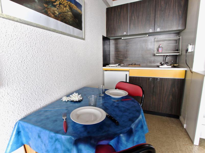 Vacances en montagne Studio 3 personnes (010) - Résidence les Carlines - Chamrousse - Kitchenette