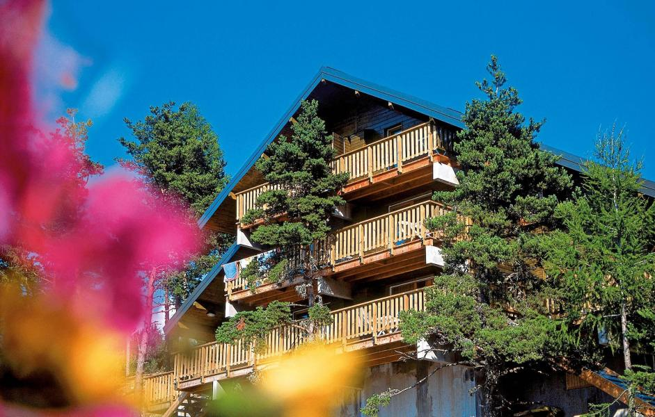 Location au ski Résidence les Chalets d'Aurouze - La Joue du Loup - Extérieur été
