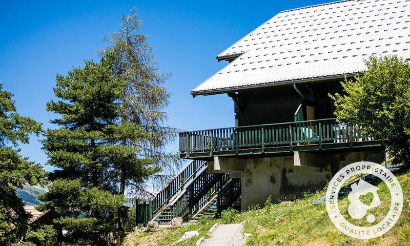 Wakacje w górach Résidence les Chalets D'aurouze - Maeva Home - La Joue du Loup - Na zewnątrz latem