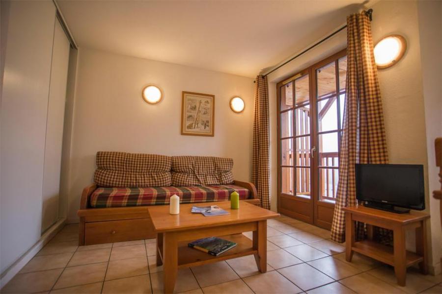Urlaub in den Bergen Résidence les Chalets d'Estive - Cauterets - Kleines Wohnzimmer