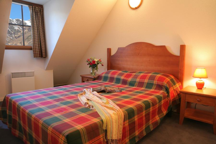 Urlaub in den Bergen Résidence les Chalets d'Estive - Cauterets - Mansardenzimmer