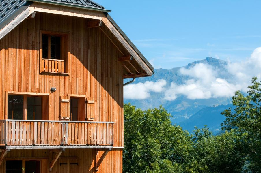 Аренда на лыжном курорте Résidence les Chalets de Belledonne - Saint Colomban des Villards - летом под открытым небом