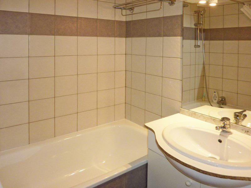 Holiday in mountain resort 2 room apartment sleeping corner 6 people (804) - Résidence les Chalets de Bois Méan - Les Orres - Bathroom