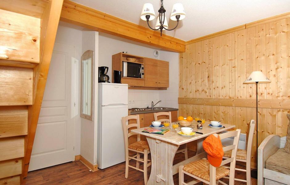 Vacances en montagne Résidence les Chalets de l'Arvan II - Saint Sorlin d'Arves - Coin repas