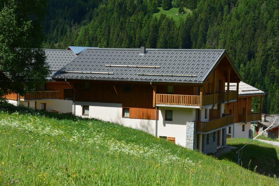 Location au ski Résidence les Chalets de la Ramoure - Valfréjus - Extérieur été