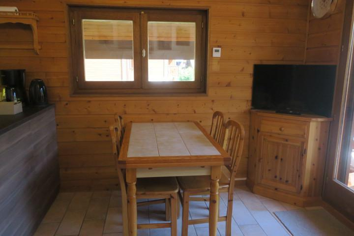 Vacances en montagne Appartement 2 pièces 6 personnes (A18) - Résidence les Chalets de Perthuis - Châtel - Table