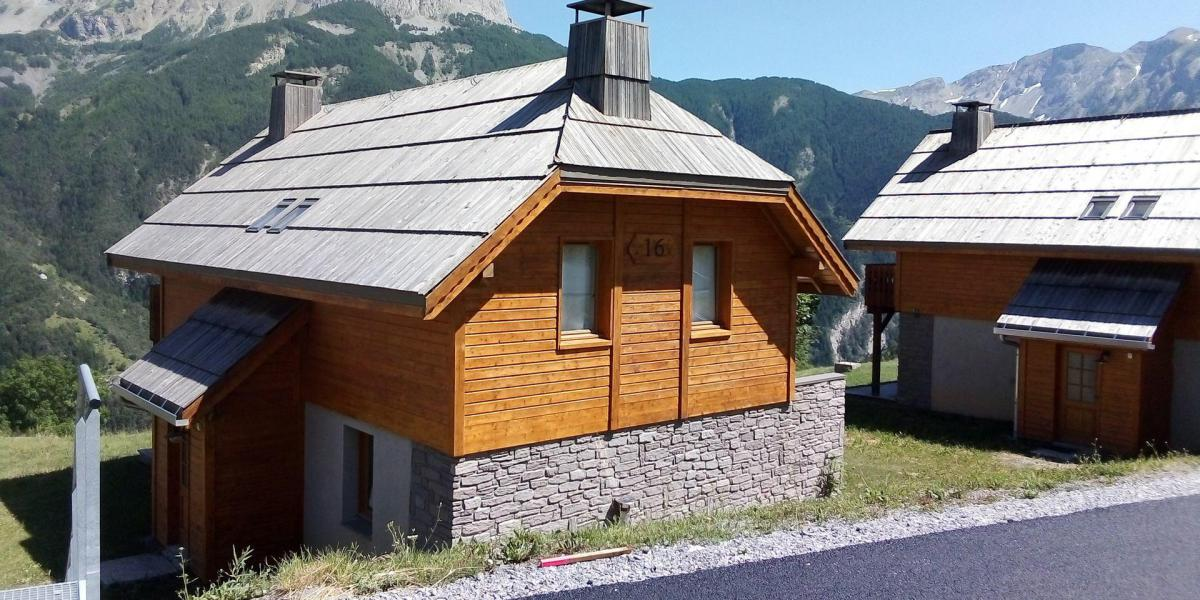 Vakantie in de bergen Résidence Les Chalets de Praroustan - Pra Loup - Buiten zomer