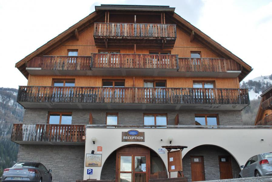 Location au ski Résidence Les Chalets de Praroustan - Pra Loup - Extérieur été