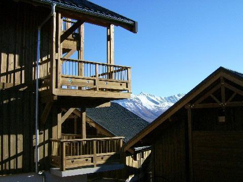 Vacances en montagne Residence Les Chalets Des Cimes - La Toussuire - Extérieur été