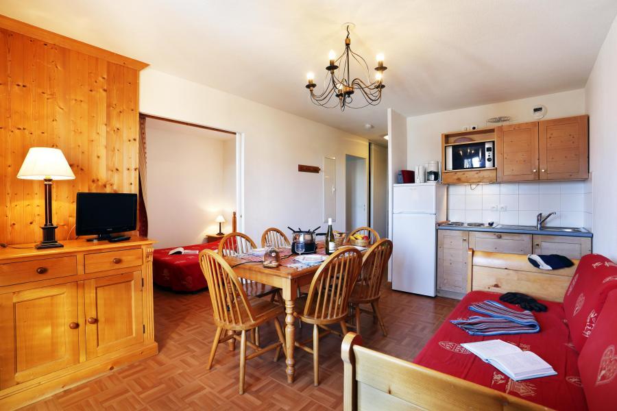 Urlaub in den Bergen Résidence les Chalets des Cimes - La Toussuire - Kleines Wohnzimmer