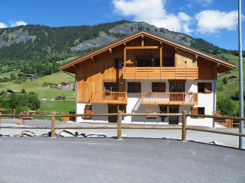 Location au ski Résidence les Chalets des Evettes - Flumet - Extérieur été