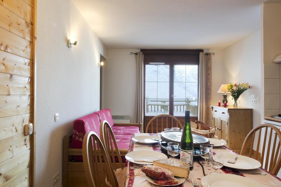 Vacances en montagne Résidence les Chalets des Evettes - Flumet - Coin repas
