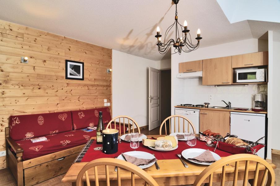Vacances en montagne Résidence les Chalets des Evettes - Flumet - Cuisine ouverte