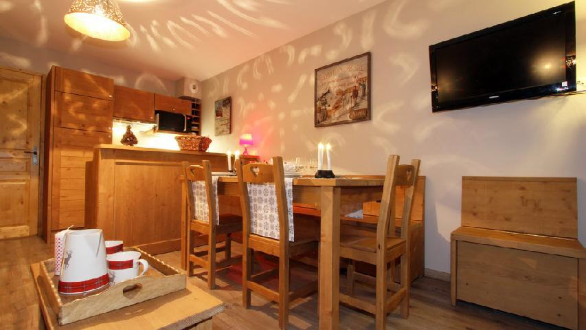 Holiday in mountain resort 2-3 room duplex apartment 6 people (002) - Résidence les Chalets des Rennes - Vars - Accommodation