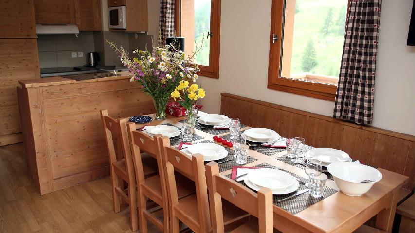 Holiday in mountain resort 3-4 room duplex apartment 8 people (003) - Résidence les Chalets des Rennes - Vars - Accommodation