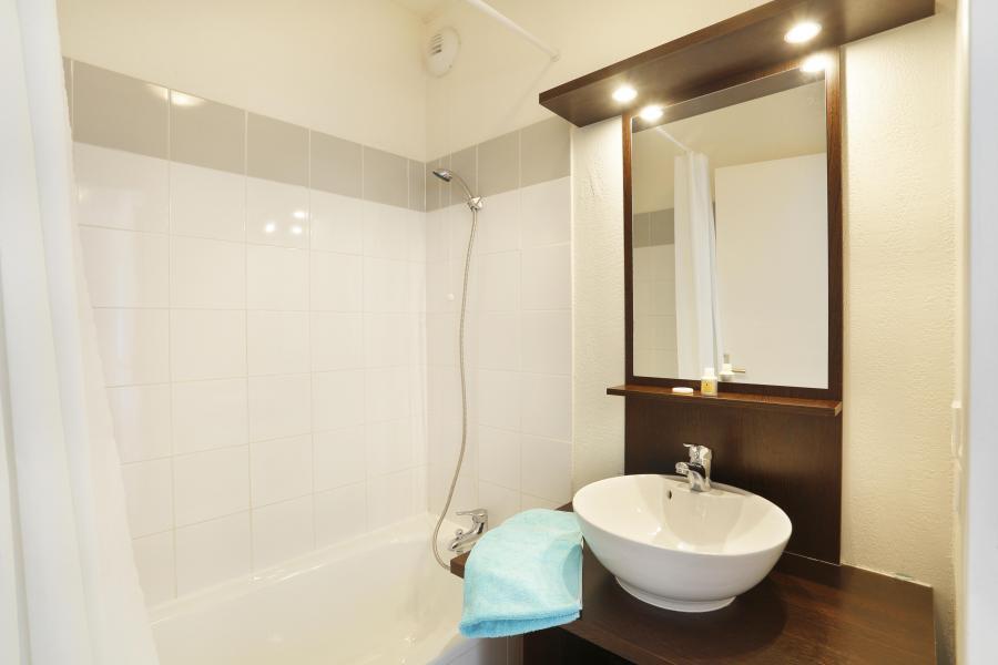 Holiday in mountain resort Résidence les Chalets du Belvédère - Font Romeu - Bathroom
