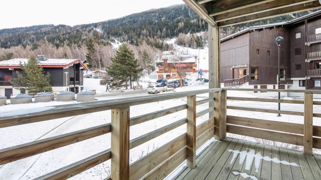 Holiday in mountain resort Résidence les Chalets et Balcons de la Vanoise - La Norma - Balcony
