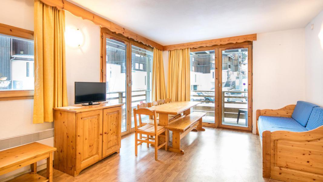 Holiday in mountain resort Résidence les Chalets et Balcons de la Vanoise - La Norma - Living room