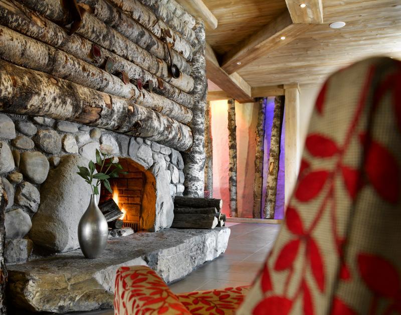 Vacances en montagne Résidence les Clarines - Les Menuires - Cheminée